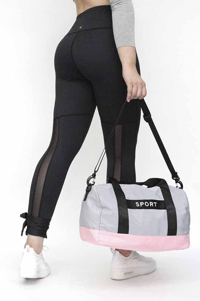 Maleta deportiva unisex , material lona reforzada  100% poliester , tamaño mediano , medidas 48 cm * 24 cm * 17 cm
