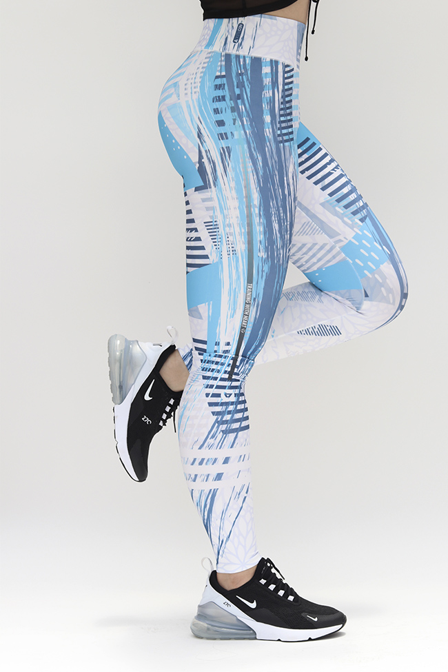 Linea ELITE, leggin deportivo diseñado con fibras especiales en combinación con suplex-neopreno, textil inteligente con tecnologia termosensible, con rombo de refuerzo en la entrepierna, costura plana para mayo comodidad. Ideal para un poco de Yoga