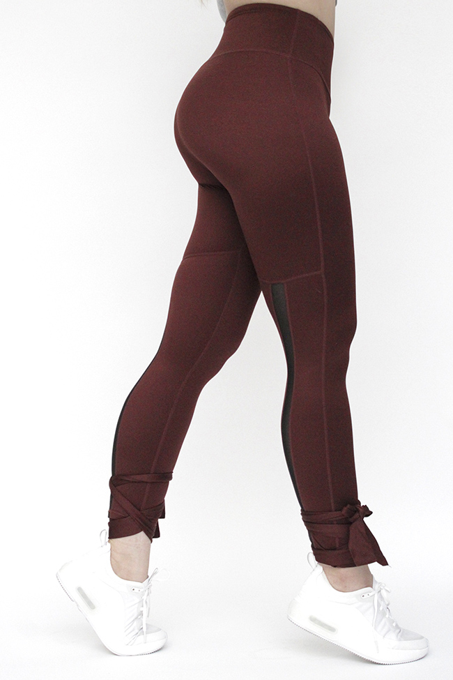 Combinacion de textiles, que se adapta a tu cuerpo y permite ejercitarte de la manera mas comoda.